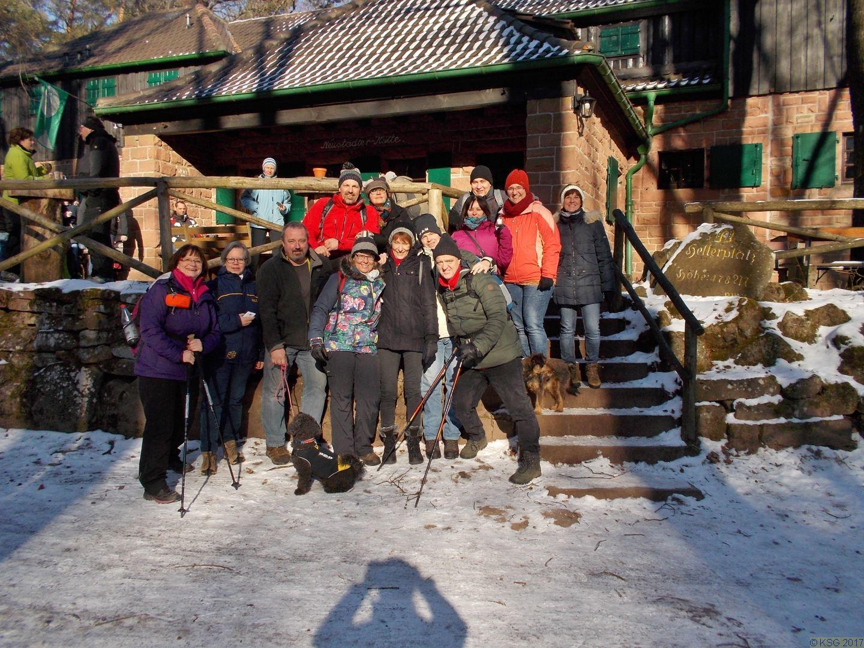 Gruppenfoto an der Hellerhütte